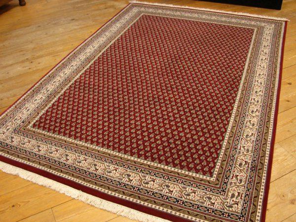 mirr, carpet