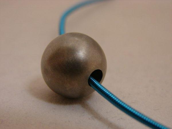 zilveren bol hanger